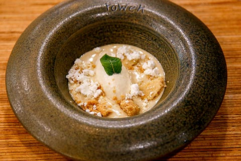 Yogurt emulsified with evoo and ice cream